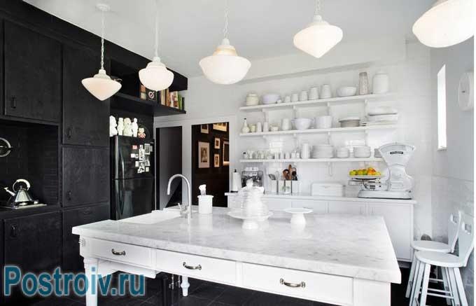 Современная кухня в черно-белом цвете