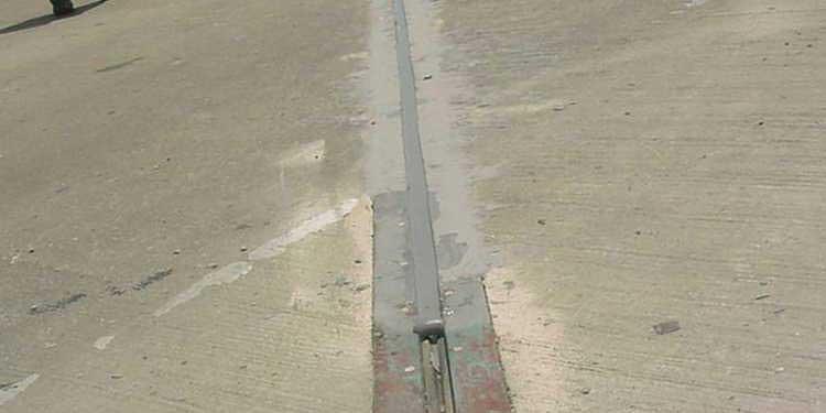 Как выбрать герметик для швов в бетоне
