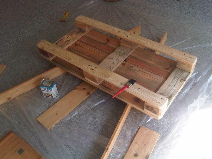 Как сделать мебель из поддонов своими руками?