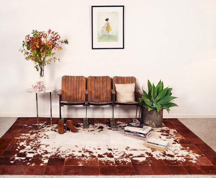 Ковер-шкура в интерьере, модно и невероятно уютно! 100 фото