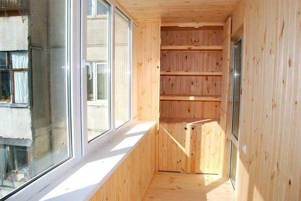 Обшивка балкона вагонкой. деревянная или пластиковая, чем крепить и обработать вагонку