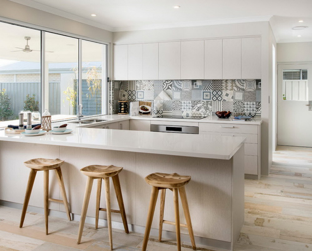 Светлая кухня - как выбрать цвет стен, пола, шторы 70 фото