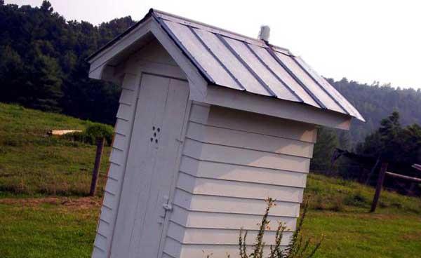 Как построить туалет на дачном участке: чертежи, размеры, схемы