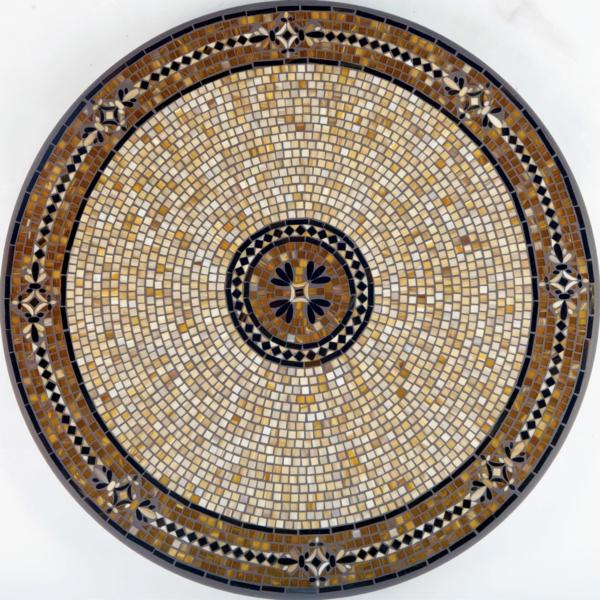 Садовые столики с мозаикой