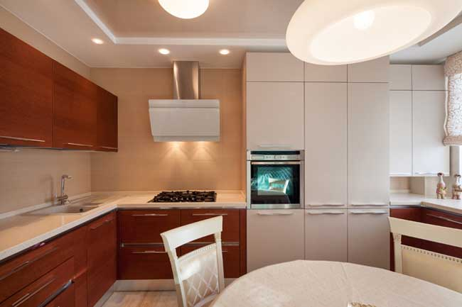 Дизайн интерьера двухкомнатной квартиры в классическом стиле. идея оформления