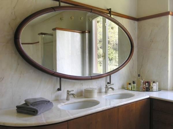 Стильные зеркала в интерьере