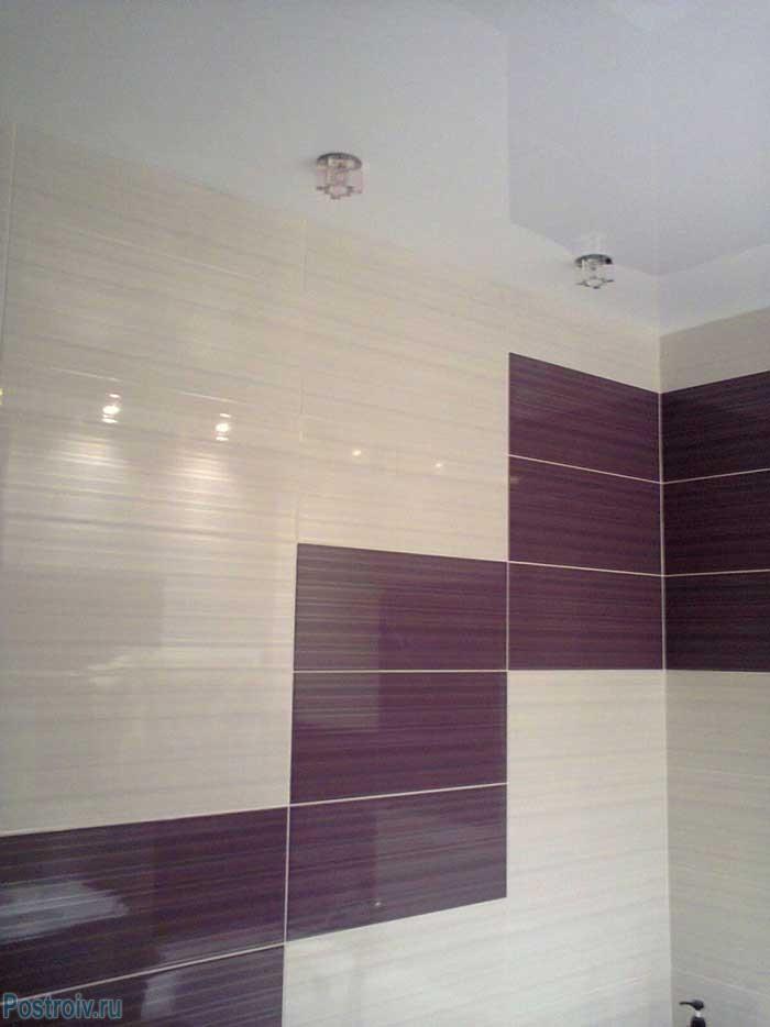 Почему в ванне лучше делать натяжной потолок. пять причин использовать именно натяжной потолок. 20 примеров