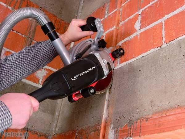 Как штробить стены своими руками: безопасно прячем проводку в стены