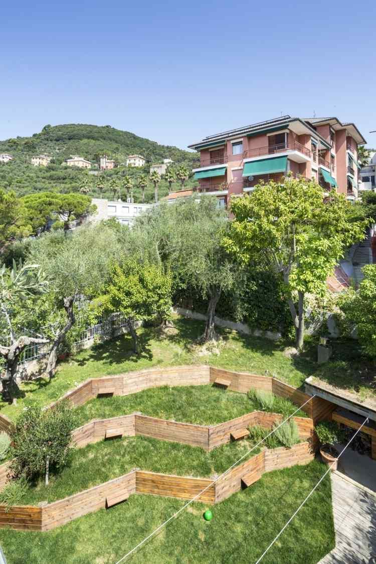 Стильная открытая терраса в итальянском стиле