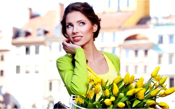 Доставка свежих цветов в Мариуполе для девушек и женщин