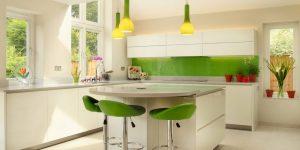 Как выбрать по-настоящему стильный фартук из пластика на кухню 40 фото